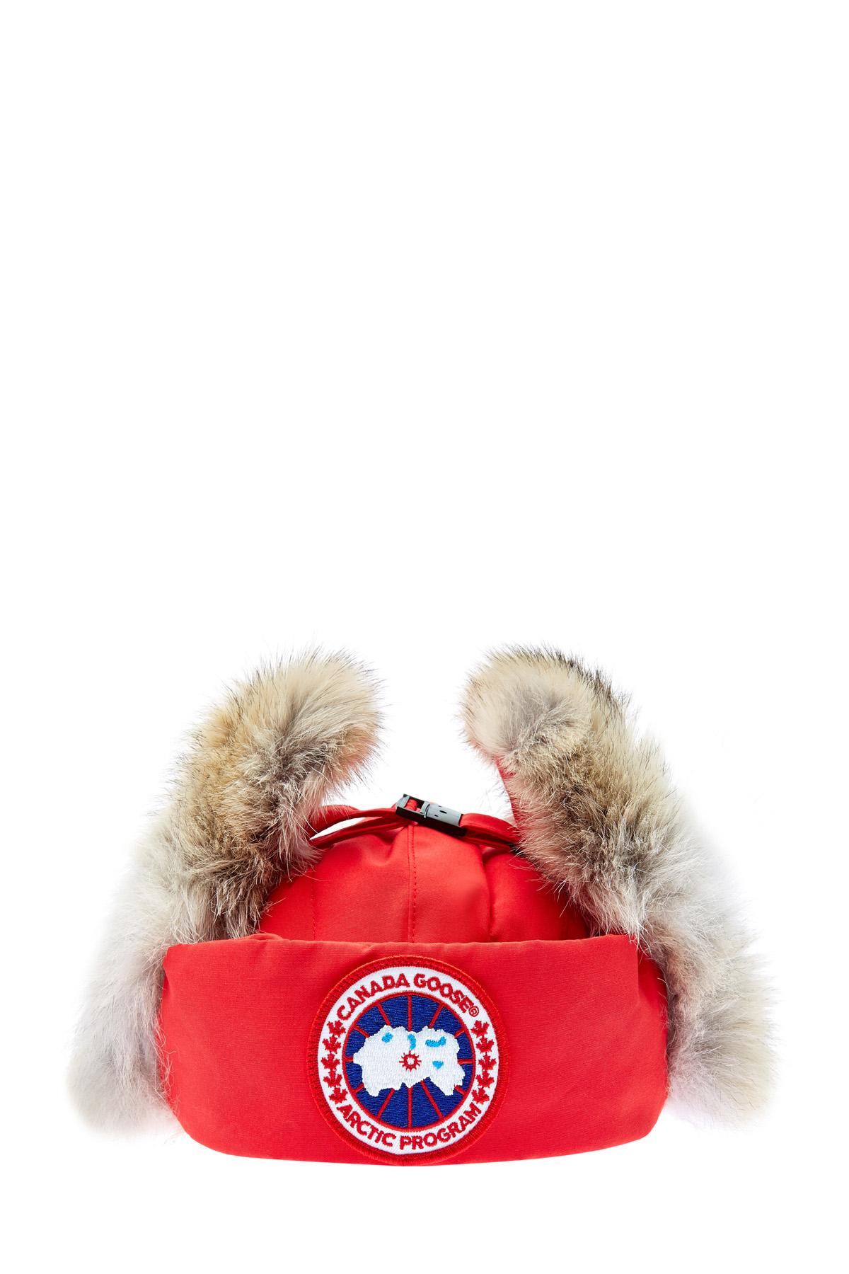Шапка-ушанка с мехом койота и пуховым утеплителем