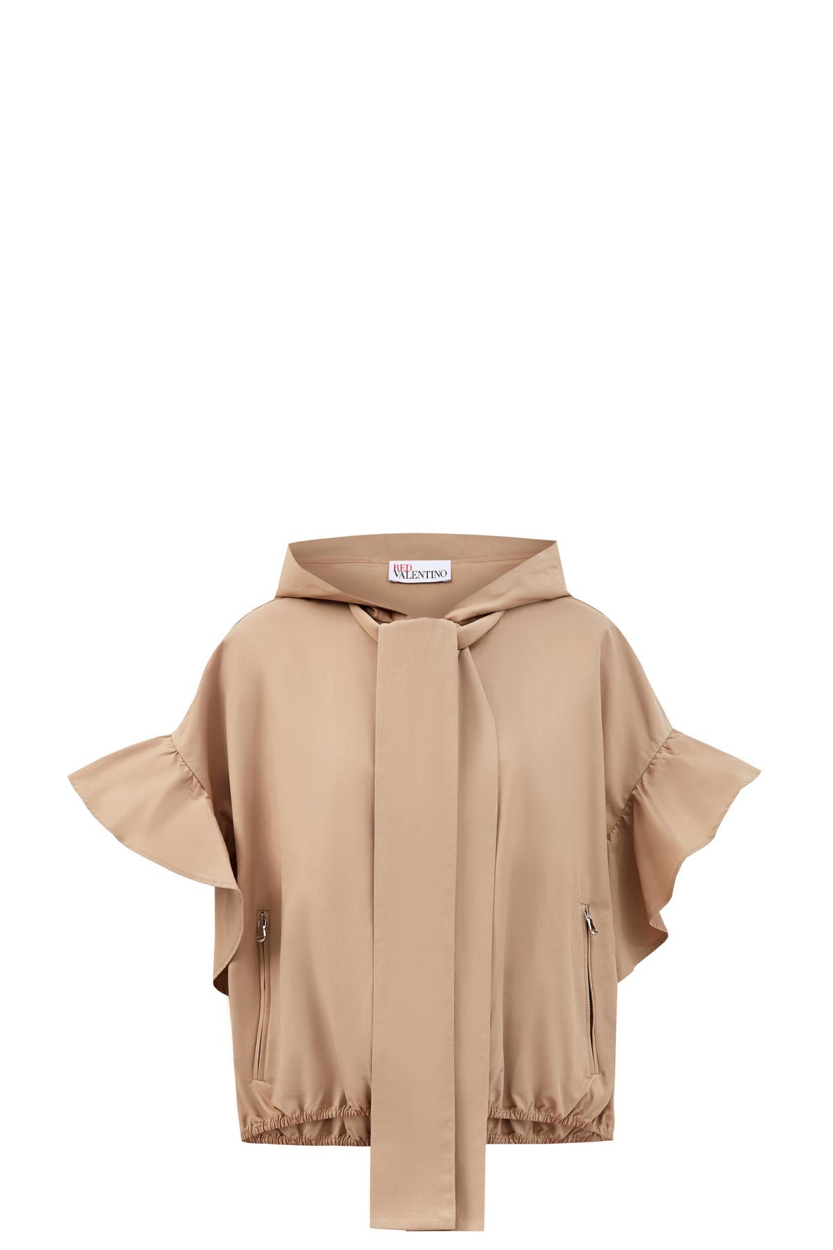 Укороченная куртка с фактурными рукавами и глубоким капюшоном