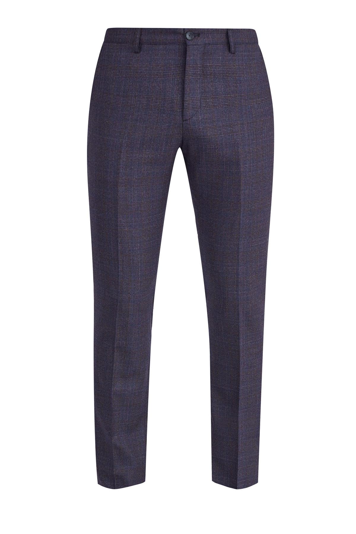 Классические брюки из костюмной шерстяной ткани в клетку фото