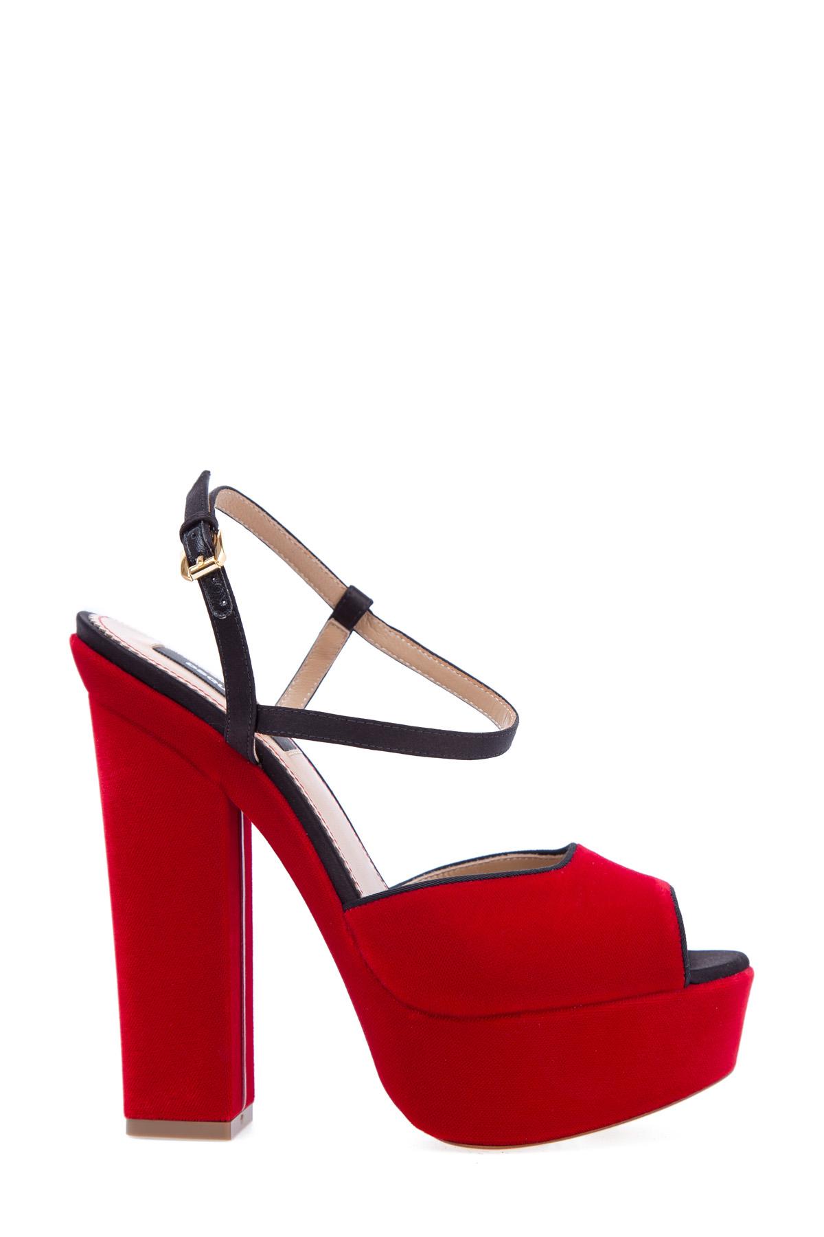 женские босоножки на каблуке dsquared2