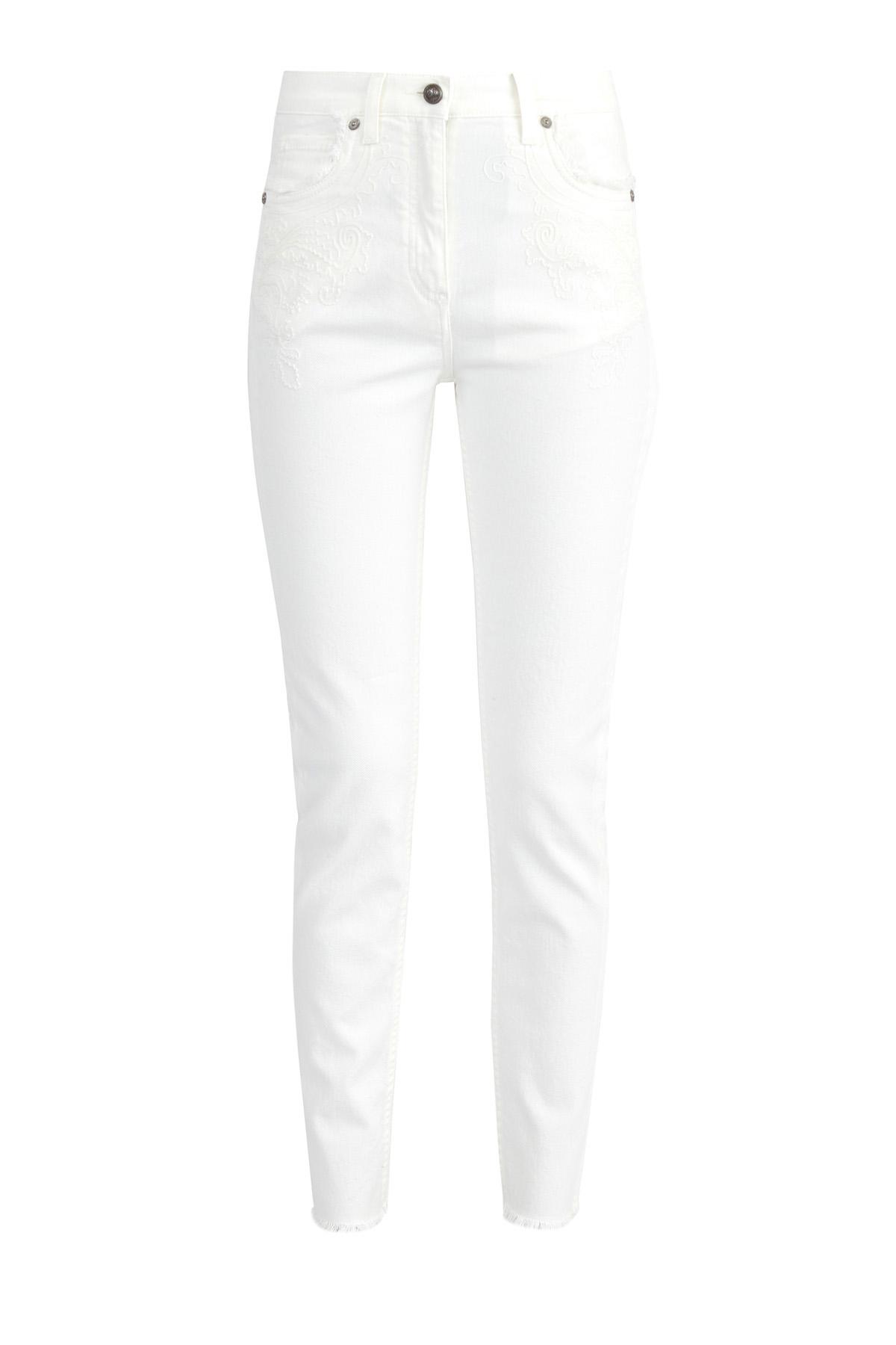 Джинсы из денима белого цвета с вышивкой и бахромой