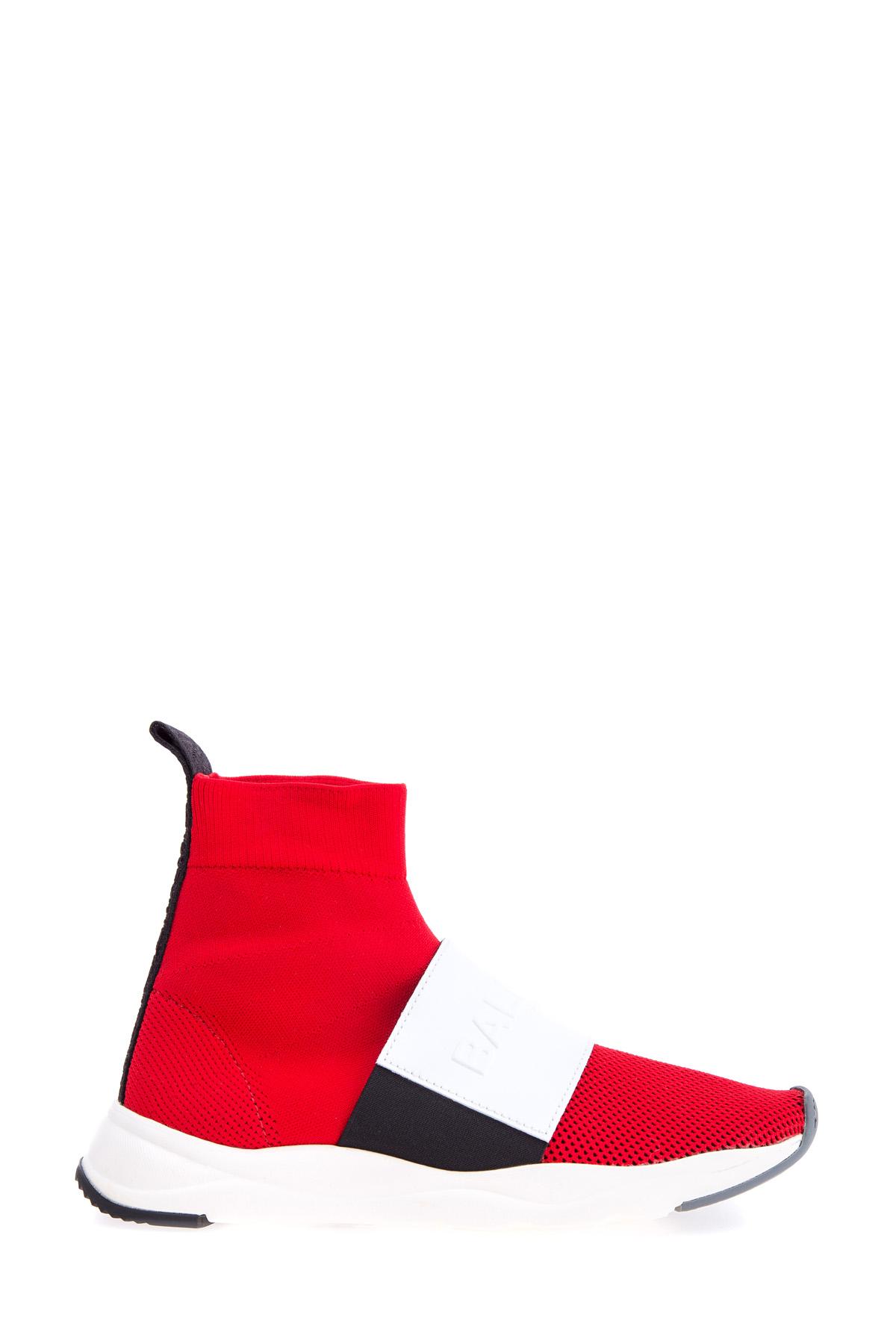 Купить со скидкой Мембранные кроссовки с кожаной отделкой и массивной подошвой