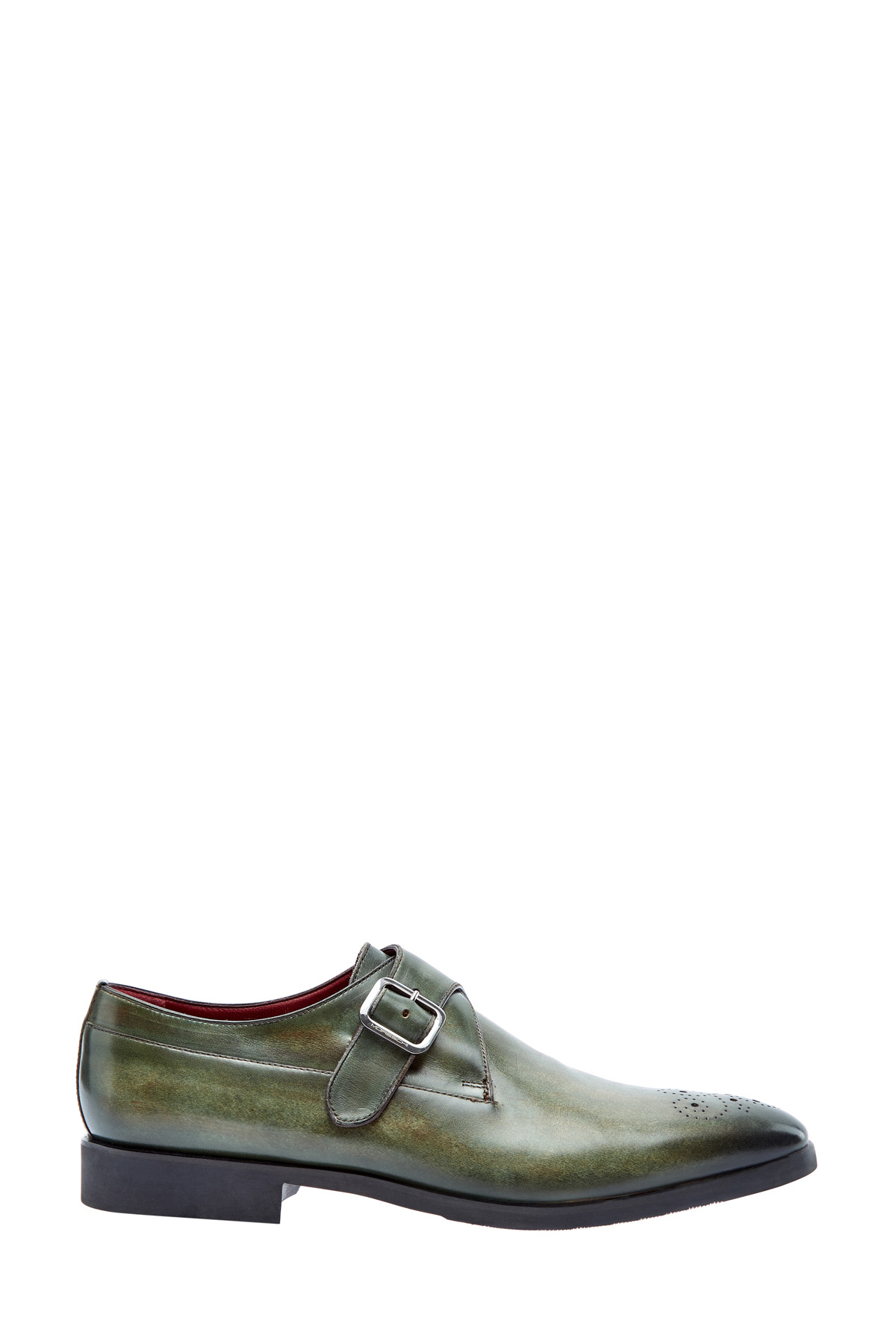 Туфли-монки из гладкой кожи с перфорацией на мыске и пряжкой