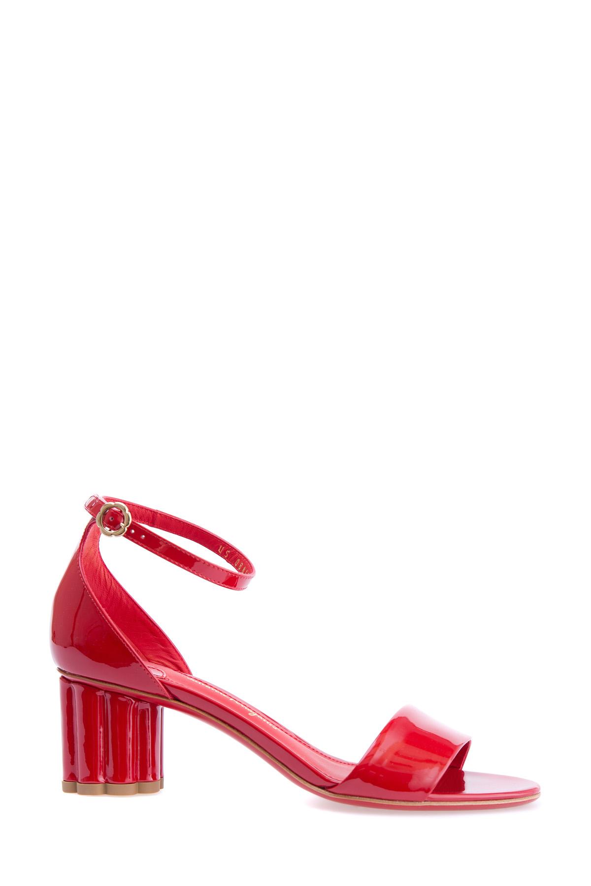 женские босоножки на каблуке salvatore ferragamo