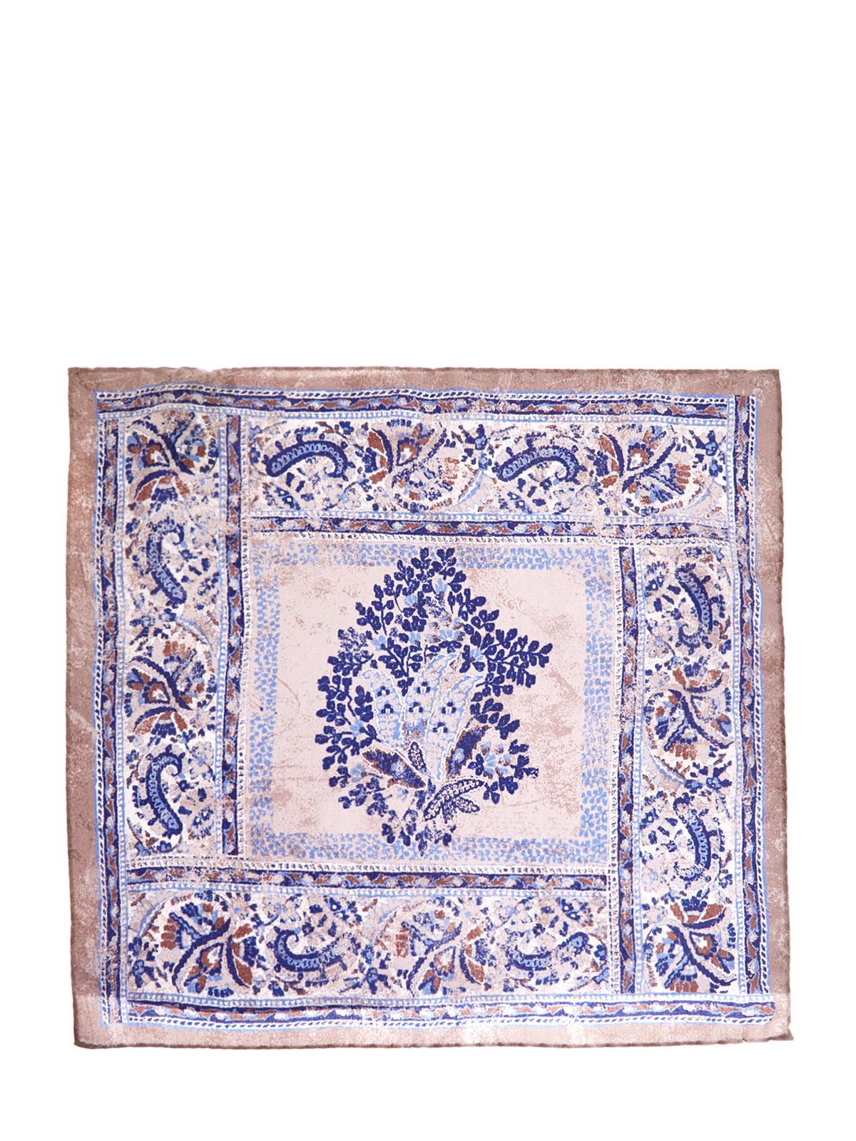 Шелковый платок-паше с набивным мотивом