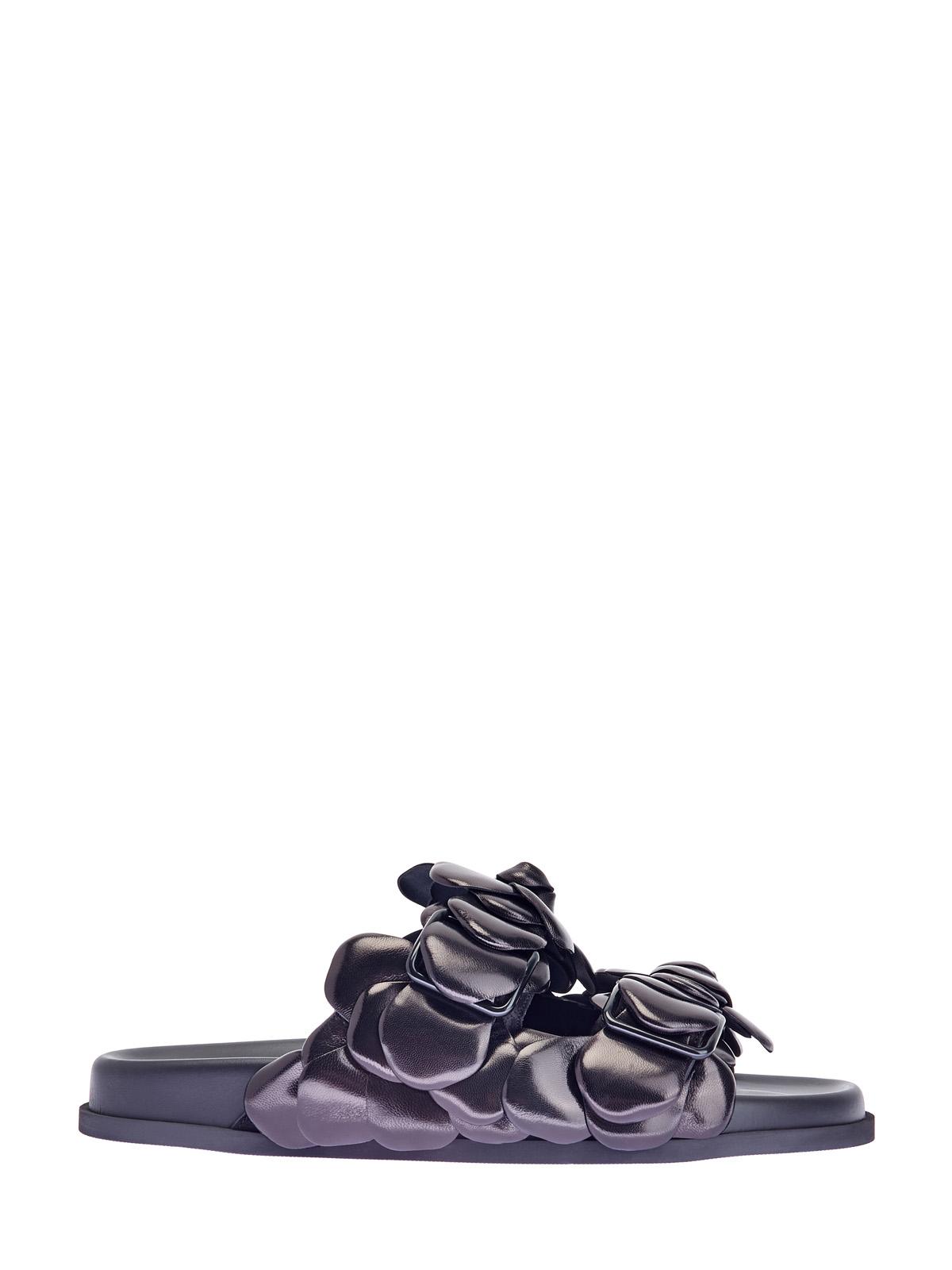 Кожаные шлепанцы Atelier Shoes с декором ручной работы